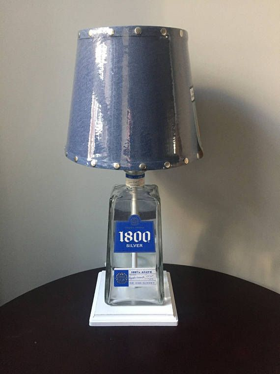 mano Lámpara encargo de de reciclado botella de hecha a D2IYHE9W
