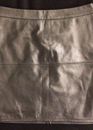 Kaufe meinen Artikel bei #Kleiderkreisel http://www.kleiderkreisel.de/damenmode/minirocke/141353586-leder-minirock-metallic-von-topshop-kendall-kylie