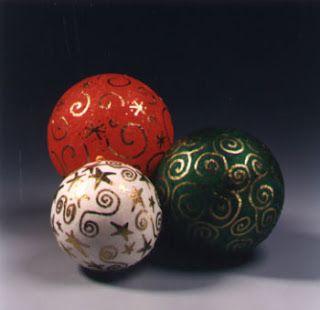 creatief besparen en meer: deco bal van piepschuim