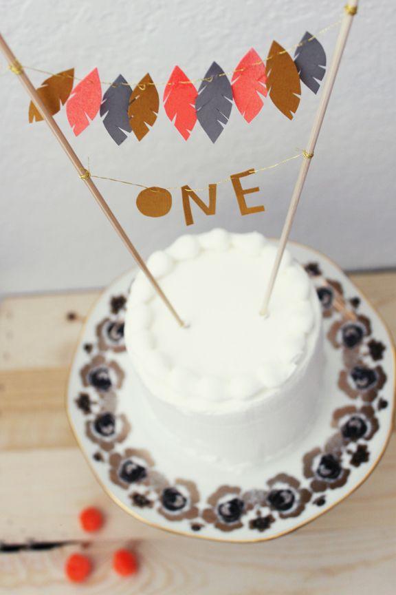 Un adorno original para una tarta de cumpleaños / An original birthday cake topper