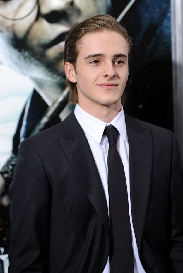 That's right, Hermione has a BRO. | Say Hello To Emma Watson's Brother, Alex