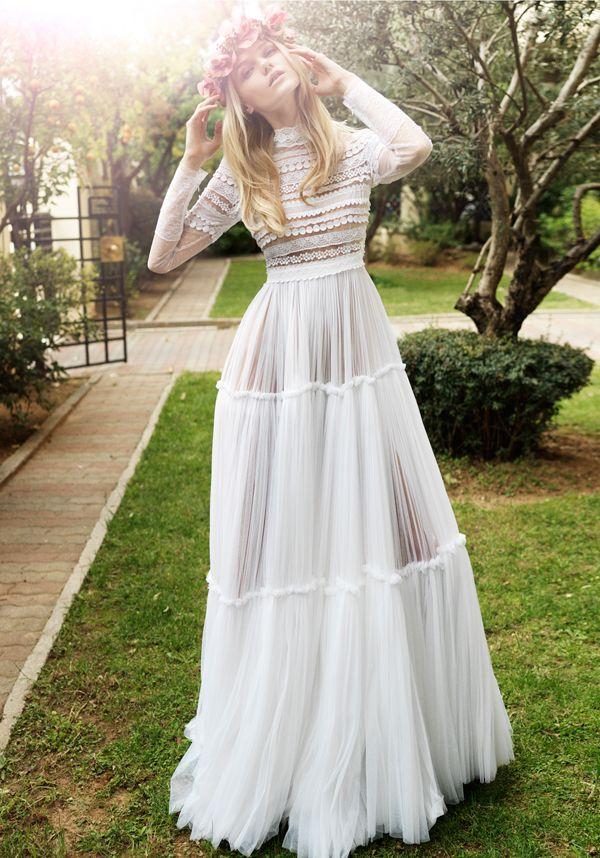 Luftiges Hochzeitskleid #airy_wedding_dress #costarellos Weitere Informationen unter www.love4wed.com / …..   – Bridal Gowns