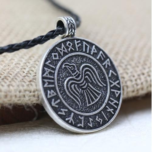 Ravn med runer