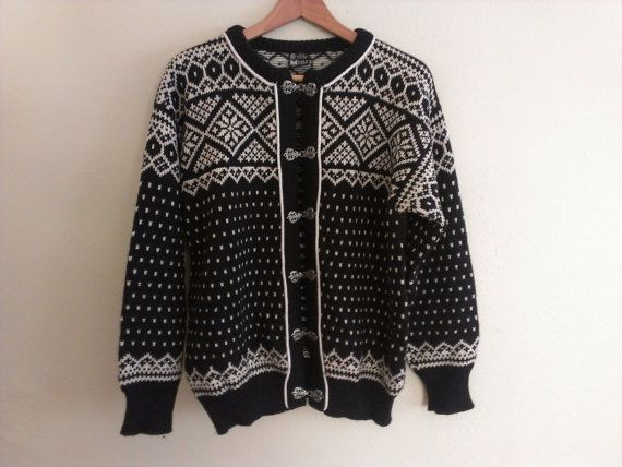 80s vintage women's large black and white Dale of Norway wool sweater, torn at clasp near bottom