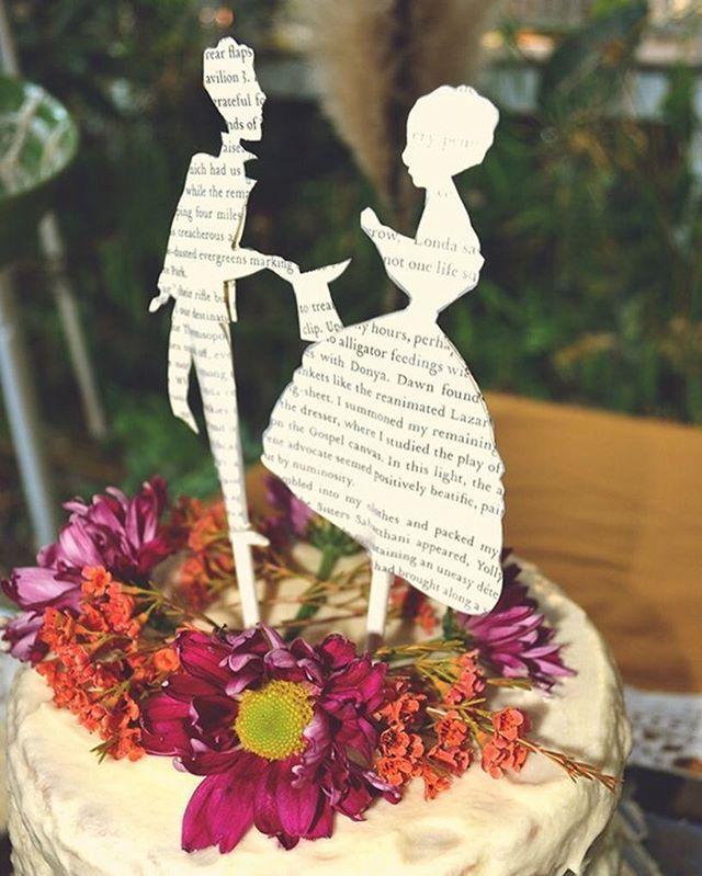 Literary Love ~ Credit | Simply Savannah Events. #wedding #weddingday #weddinginspiration #bride #bridal #bridalinspiration #literary #literature #book #books #bookworm #read #denverbride #coloradobride #boulderbride #dallasbride #dfwbride #texasbride #dessert #dessertporn #dessertinspiration #weddingcake #caketopper