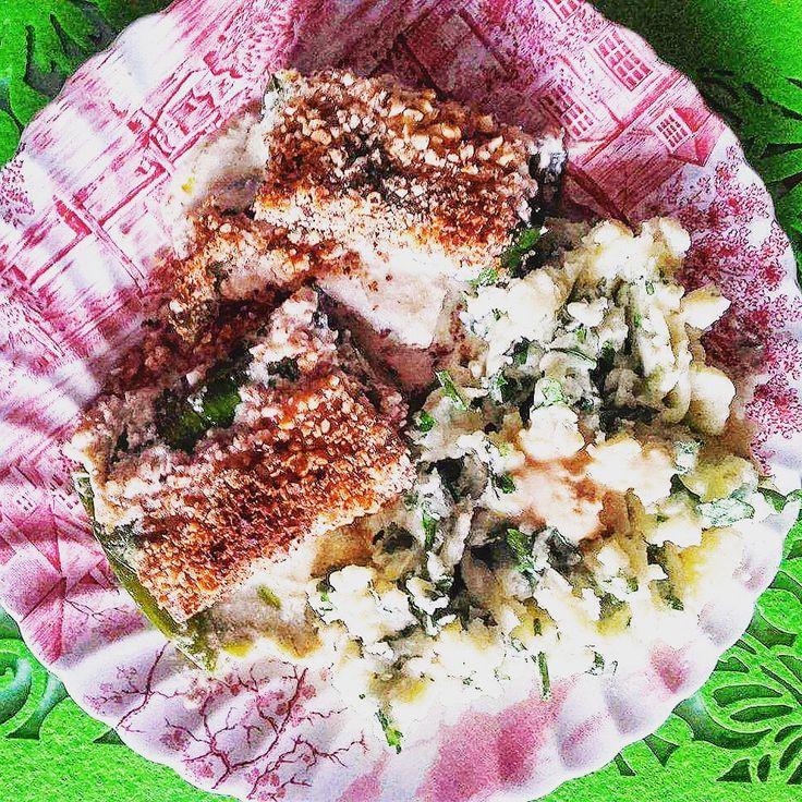 Marynowane tofu pod płaszczykiem z liści pora w stylu indyjskim – Roślinne pychotki