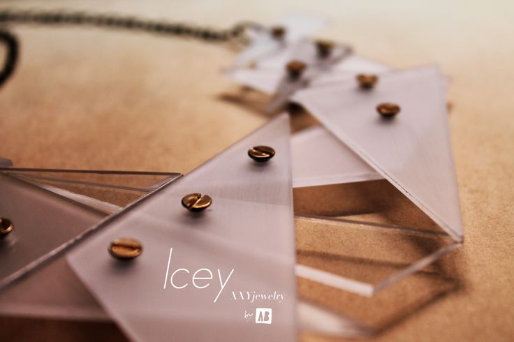 Icey Statement Necklace - detail