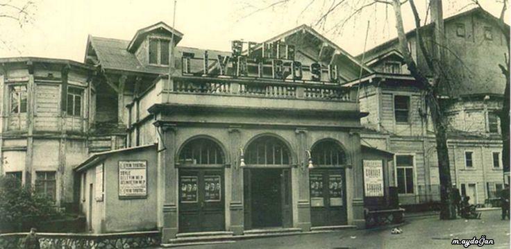 Günümüzde yerine otopark yapılan İstanbul Şehir Tiyatrosu.