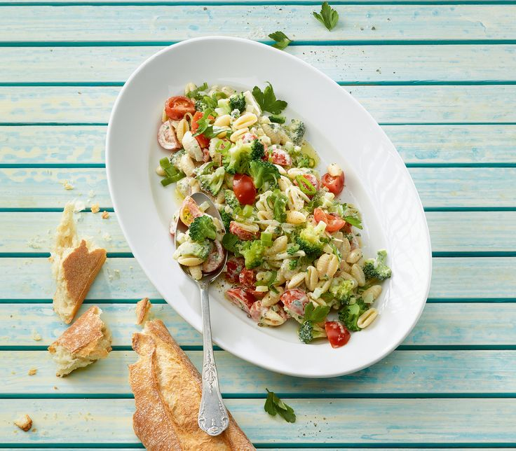 48 besten salate bilder auf pinterest k chen rezepte und salate. Black Bedroom Furniture Sets. Home Design Ideas