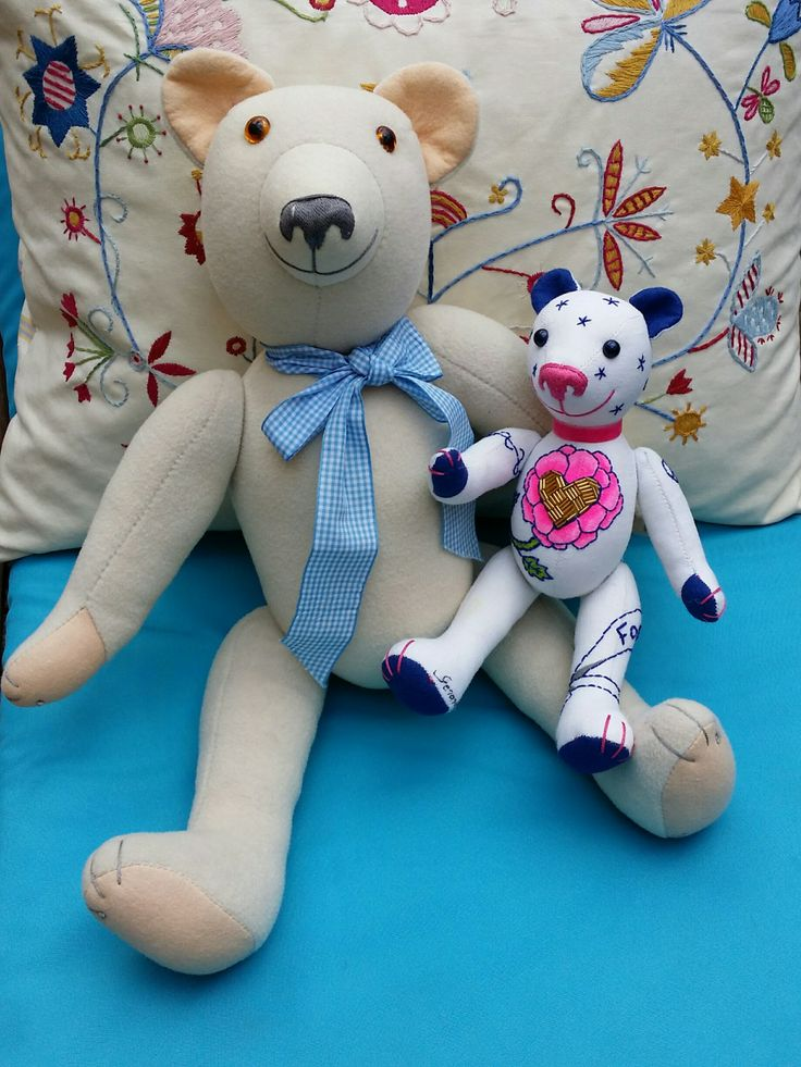 "Blanca and Sapphire are getting friends Blanca is an ""Adult"" GSBear (52 cm) while Sapphire is a ""Mini"" model (27 cm)"