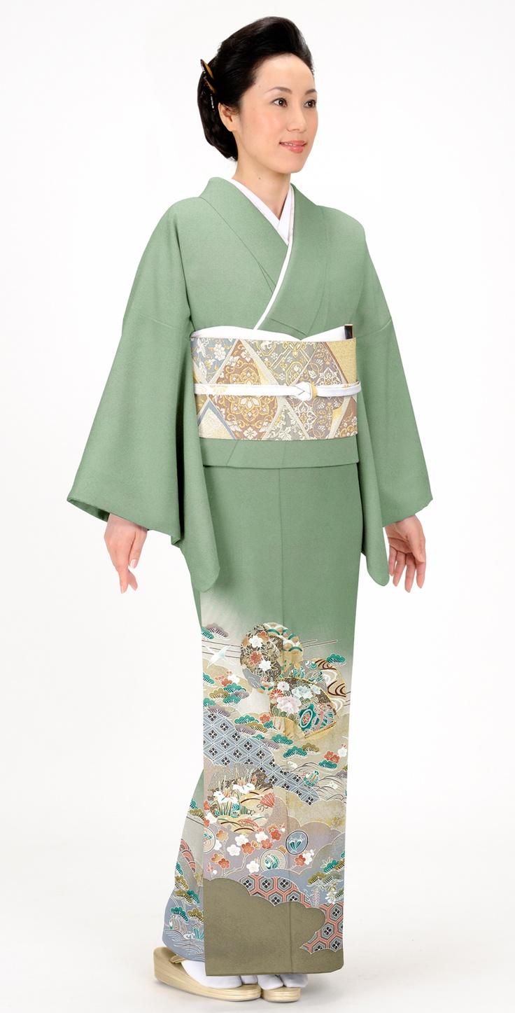 着物:グリン/花丸に亀甲  Kimono : green / Flower & Tortoise-shell