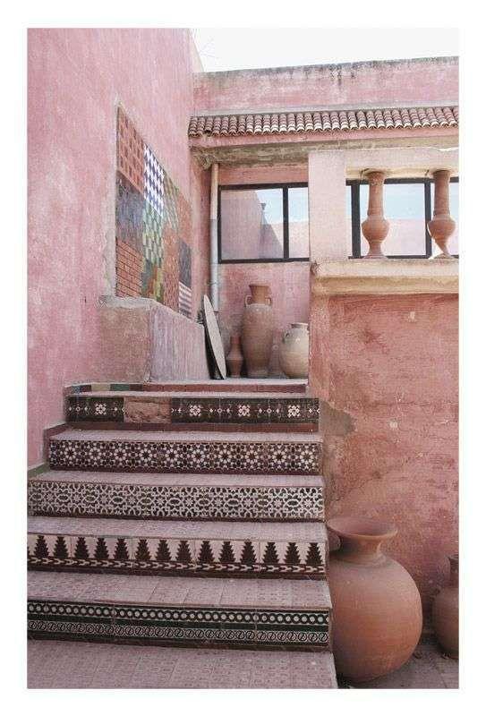http://www.designmag.it/foto/arredare-un-terrazzo-in-stile-marocchino_10279_2.html