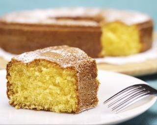 Gâteau au yaourt light : http://www.fourchette-et-bikini.fr/recettes/recettes-minceur/gateau-au-yaourt-light.html
