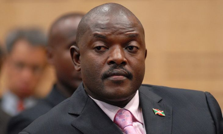 Burundi : Pierre Nkurunziza en route pour Bujumbura après le putsch manqué - 15/05/2015 - http://www.camerpost.com/burundi-pierre-nkurunziza-en-route-pour-bujumbura-apres-le-putsch-manque-15052015/?utm_source=PN&utm_medium=CAMER+POST&utm_campaign=SNAP%2Bfrom%2BCamer+Post