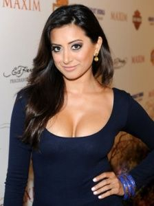 Noureen DeWulf Hairstyle, Makeup, Dresses, Shoes and Perfume - http://www.celebhairdo.com/noureen-dewulf-hairstyle-makeup-dresses-shoes-and-perfume/