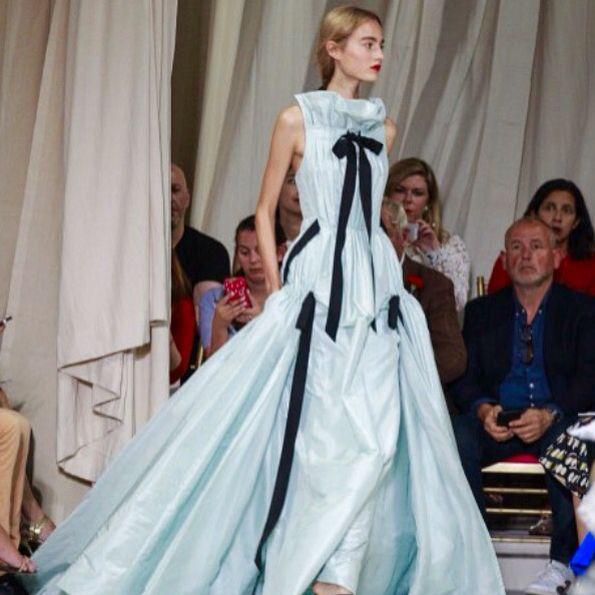 #dress by #oscardelarenta #fashion #styleicon #dreamdress