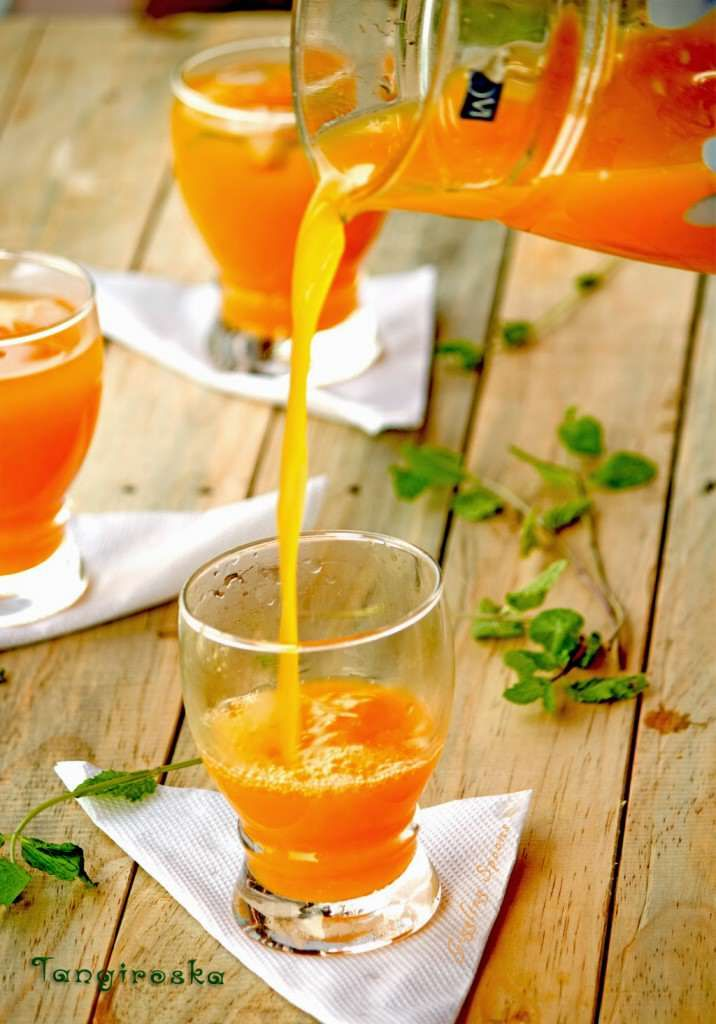 Tangiroska - a Brazilian drink with fresh squeezed orange juice, brown sugar, mint, and vodka