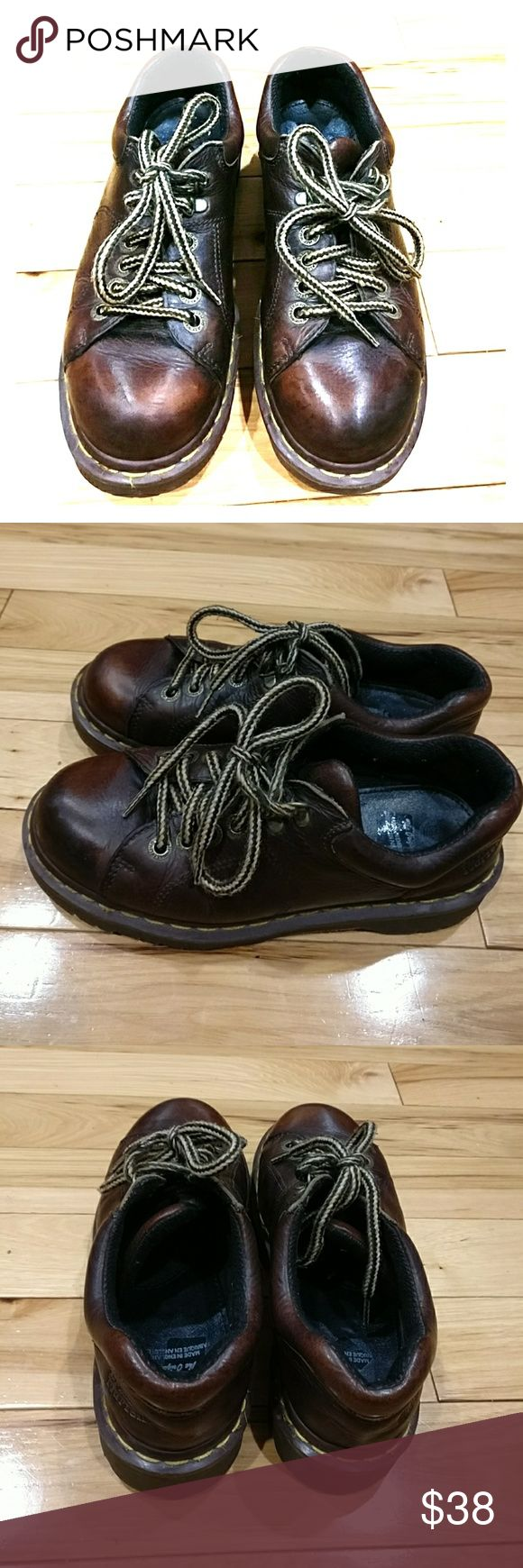 Dr. Martens women's oxfords shoes size 6 Dr. Martens women's Oxford shoes size 6 brown color. Excellent condition . very comfortable. I'm selling them an excellent price so get them today! The length is 11 and 1 /4 and the width is 4 and 1/4 inches on the ball of the foot. Dr. Martens Shoes