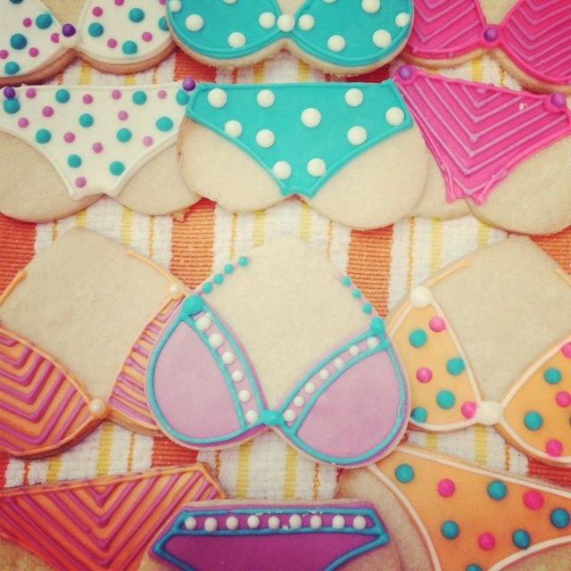 Ann Potter Baking, bachelorette, swimsuit, lingerie cookies