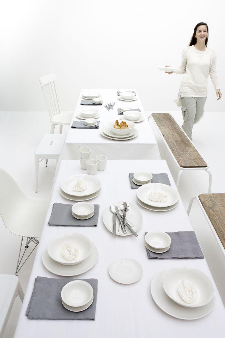 De tafel gedekt met servies van vtwonen! https://www.boer-staphorst.nl/servies-voor-de-decembermaand/