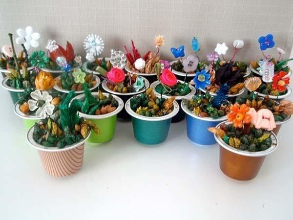 Faire des pots décoratifs avec des capsules de café