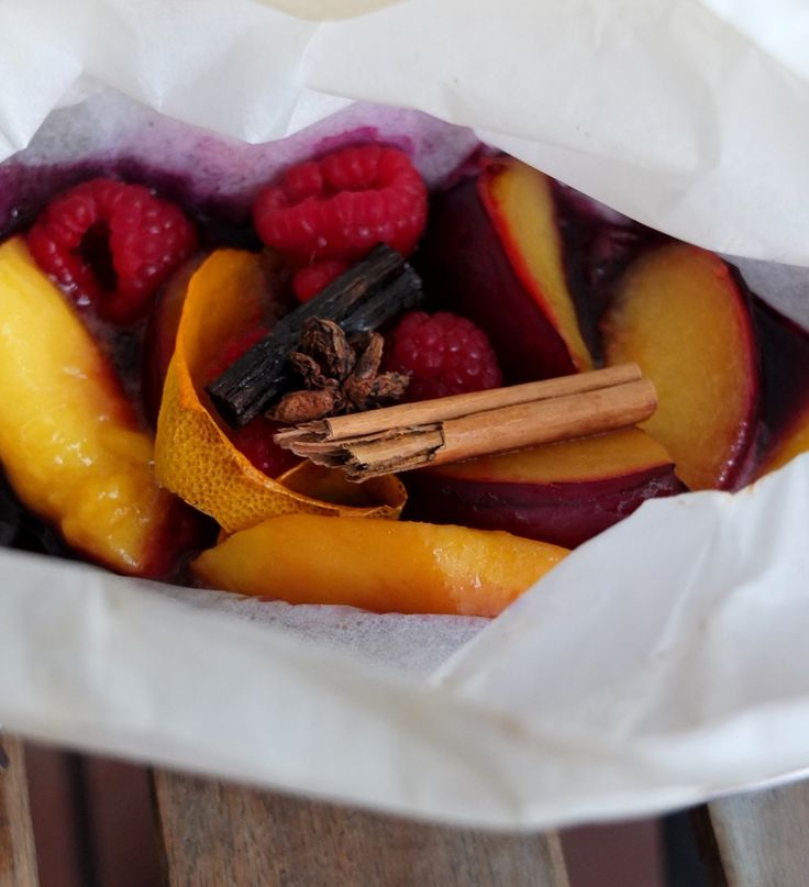spiced fruit en papillote - steam-baked in paper! lili's cakes #fruit #papillote #staranise #cinammon #vanilla #ginger #recipe