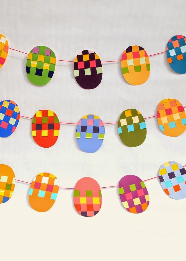 how to make woven Easter egg garland (for free- oh yeah!)