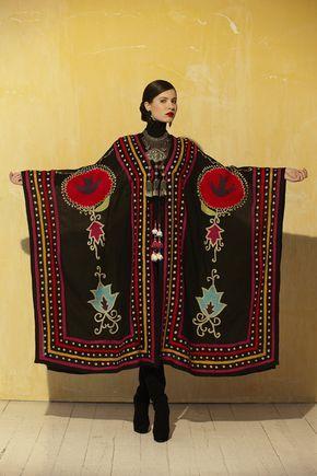Ethnic. Ann Tobias Roja Collection.
