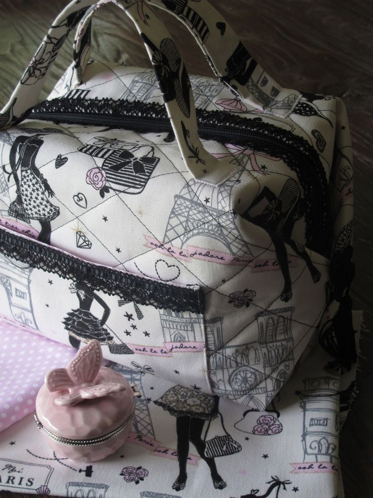 Un joli sac bien pratique pour les vacances... - Elkalin.Couture, broderie main & machine.