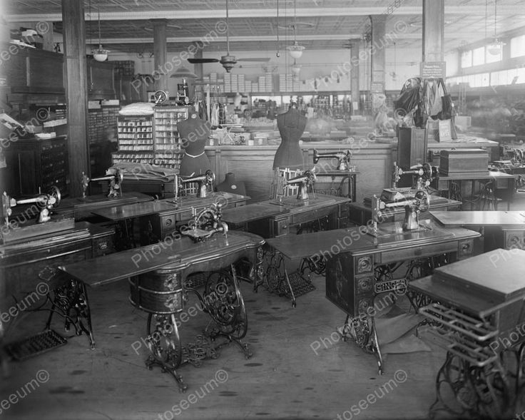 Singer Sewing Machines 1920's Vintage 8x10 Reprint Of Old Photo