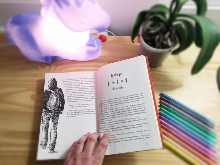Bom como começar a compartilhar esse livro cheio de amor, que nos conta sobre a história de dois adolescentes, uma historia cheia de desco...