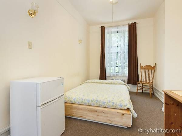 New York Room For Rent 7 Bedroom Apartment For A Roommate In Hamilton Heights Uptown Ny 6777 With Images Rooms For Rent Bedroom Apartment Room