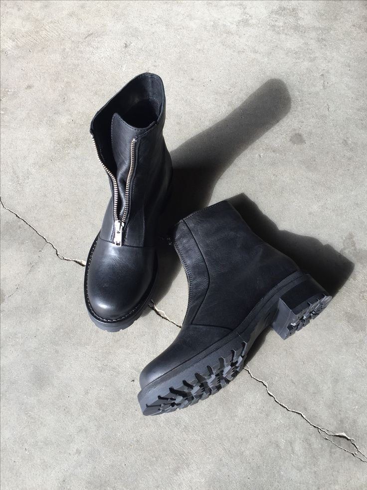 SIXMIX støvle med trendy lynlås foran og grov ydersål.  Havanna Shoes
