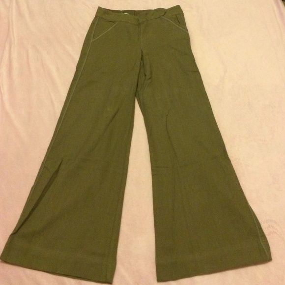 Forest green pants 100 percent organic pants. Side zipper. Excellent condition. Worn once or never Pants Wide Leg