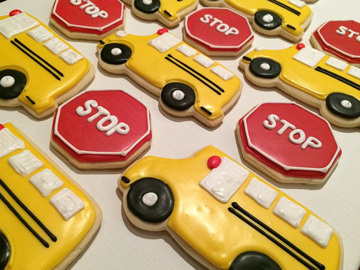 "School Bus and Stop Sign Cookies for ""Stop and Go"" Birthday Party http://www.lelaevents.com/"