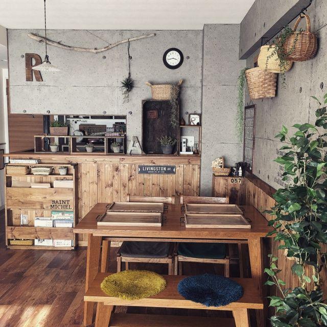 malco-yanさんの、リビング,ダイニングテーブル,かご,unico,クッションフロア,流木,アルファベットオブジェ,ステンシル,壁紙屋本舗,いなざうるす屋さん,板壁DIY,本棚DIY,コンクリート風壁紙,workshop,インスタ→malco_yan,DIY FACTORY STUDIY,なんばパークス,のお部屋写真
