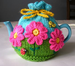 Justjen-knits&stitches: Flower Garden Tea Cosy - free pattern
