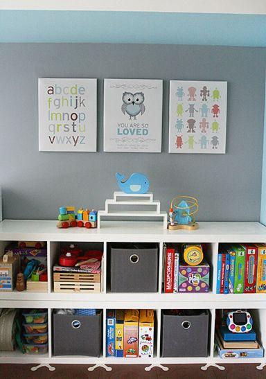 Gorgeous wall art. Awesome organized shelves. #kidsbedroom #kids #decor