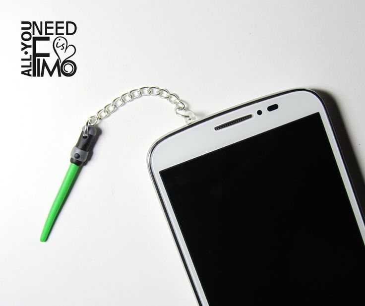 Charm for smartphones with fimo laser sword from Star Wars!   INFO: https://www.facebook.com/AllYouNeedIsFimo/photos/a.937250929688782.1073741828.932013750212500/1068415666572307/?type=3&theater  #fimo #polymerclay #artigianato #fattoamano #handmade #accessori #accessories #smartphone #cellphone #stopper #tappi #antipolvere #antidust #dustproofplug #jack #earphones #plugs #starwars #jedi #green #lasersword #spadalaser #etsy #etsyfinds #allyouneedisfimo #charm #nerd #geek