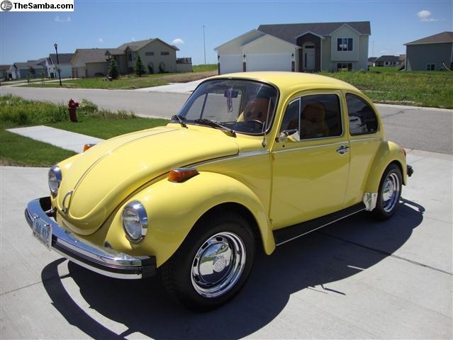 My first car: 1971 VW Super Beetle!