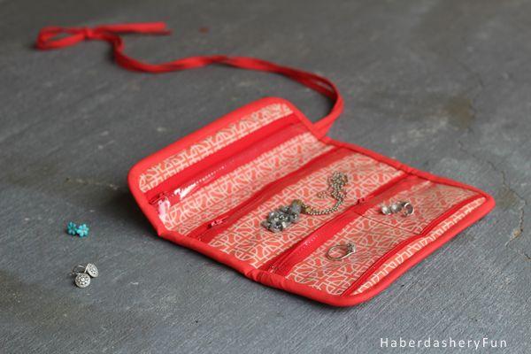 DIY.. Make A Mini Jewelry Roll | Haberdashery Fun