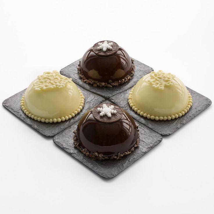 """❗️В Наличии❗️ пирожные """"Красные ягоды""""(малина-клубника-ваниль) и """"Вишневый брауни"""" 🍒 (влажный бисквит """"брауни""""; хрустящий миндально-шоколадный штройзель; вишневый мармелад; вишневое креме и мусс на темном шоколаде)"""