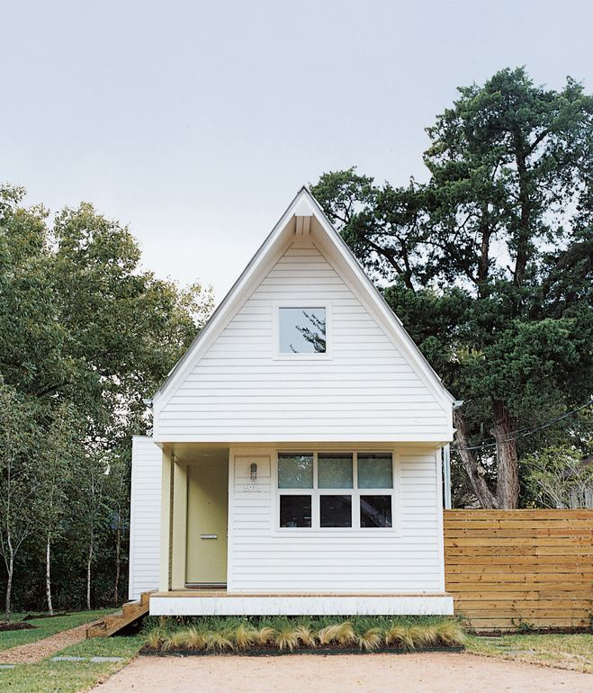 Wee white house exteriors pinterest tiny houses for Small home builders texas