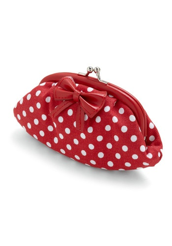 coin purse will coordinate well with my red and white poko dotted heels.