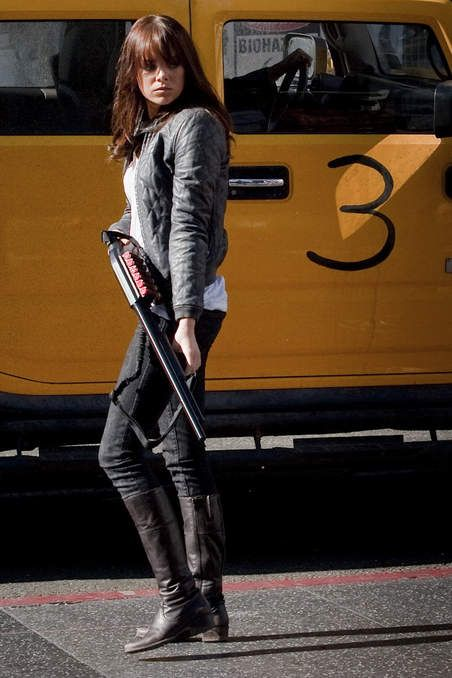 Emma Stone in Zombieland ... Love her ensemble and brunette hair #emmastone #brunette #zombieland