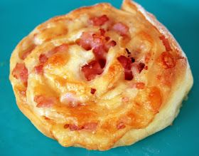Thermolicious: Cheese and bacon scrolls Ingredients for dough 440g self raising flour 400g greek or natural yoghurt