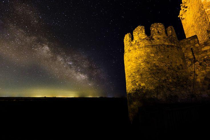 #XT-1 Via Láctea desde el castillo de Tiedra en Los Montes Torozos, Valladolid