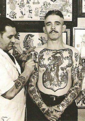 Fotos antigas de pessoas tatuadas: 68 imagens