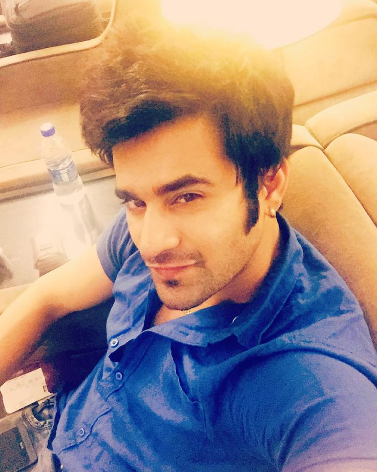 "pearlvpuri: ""Mumbaiiii! Iam coming !! Iam loving it :) #abeergiri"""