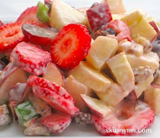 Skinny Fruit Yogurt Salad is ideal for breakfast, lunch or a light afternoon snack. Our salad has 136 calories and zero grams of fat, per serving. #lowfat #lowcalorie #fruit #yogurt #salad